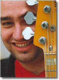 Giovanni Buzzurro nasce ad Agrigento il 6 aprile del 1974 all'età di dieci anni inizia lo studio della chitarra classica sotto la guida del M° Stefano ... - giovannibuzzurro1