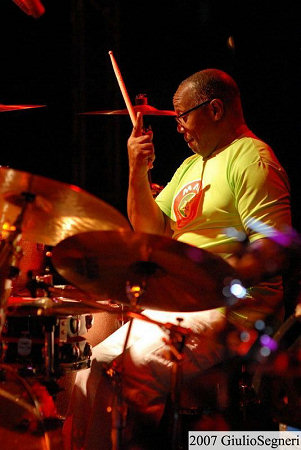 Billy Cobham drum'n'voice feat. Brian Auger and Novecento