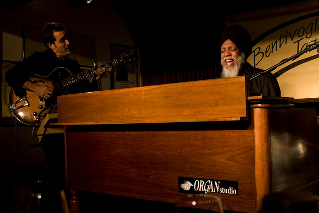 Doctor Lonnie Smith Trio